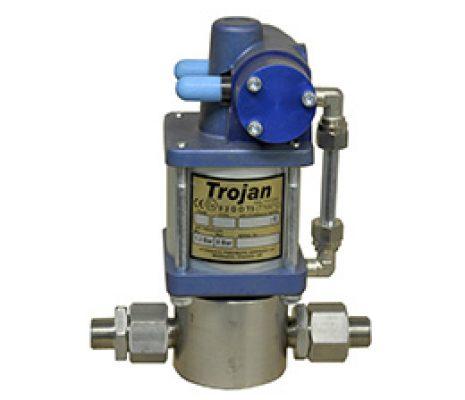 Trojan Type 'J' pump<br>Test pressures up to 1,095 Bar.
